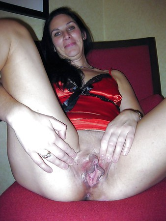 Lady doctor shows her pussy