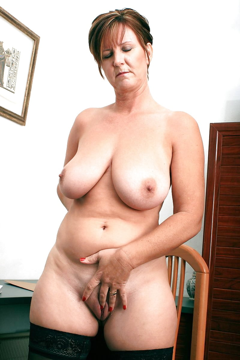 Amateur Mature Wife Stockings
