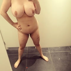 Kiki Vee Gets Slutty And Naked In The Public Changing Rooms