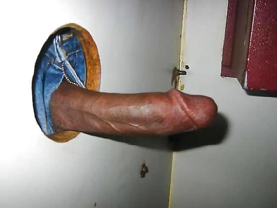 Порно торчащие члены из дыр в стене — pic 14