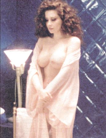 Nackt Francesca Dellera  Nude Celeb