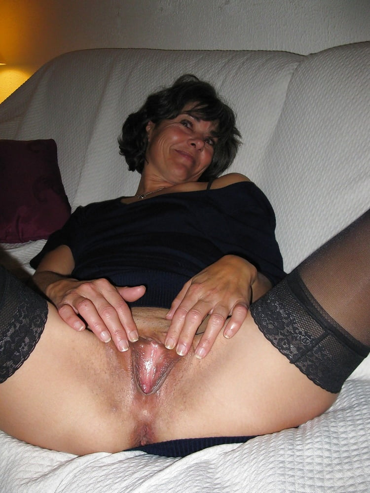 Her cuckolds wife spread her pussy, biggers fuckers hotties girlss