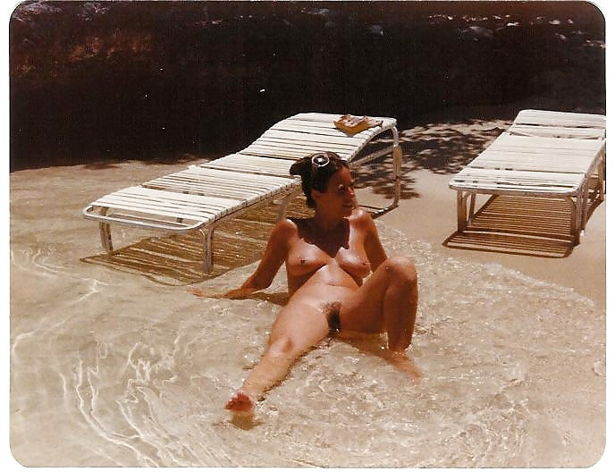 sex-on-orient-beach-sexy-hot-bonnie-bedelia
