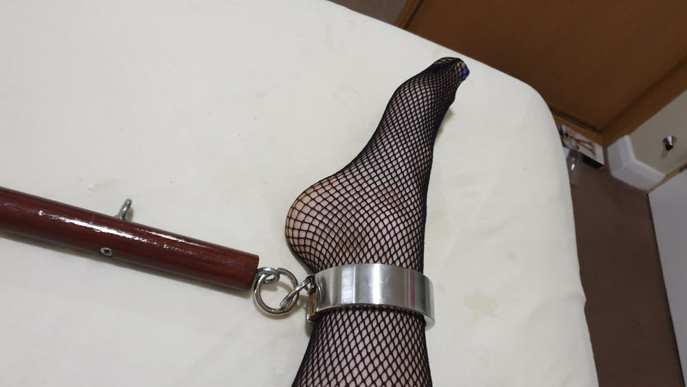 Self Bondage In Leather and Steel with the Doxy - 10 Pics
