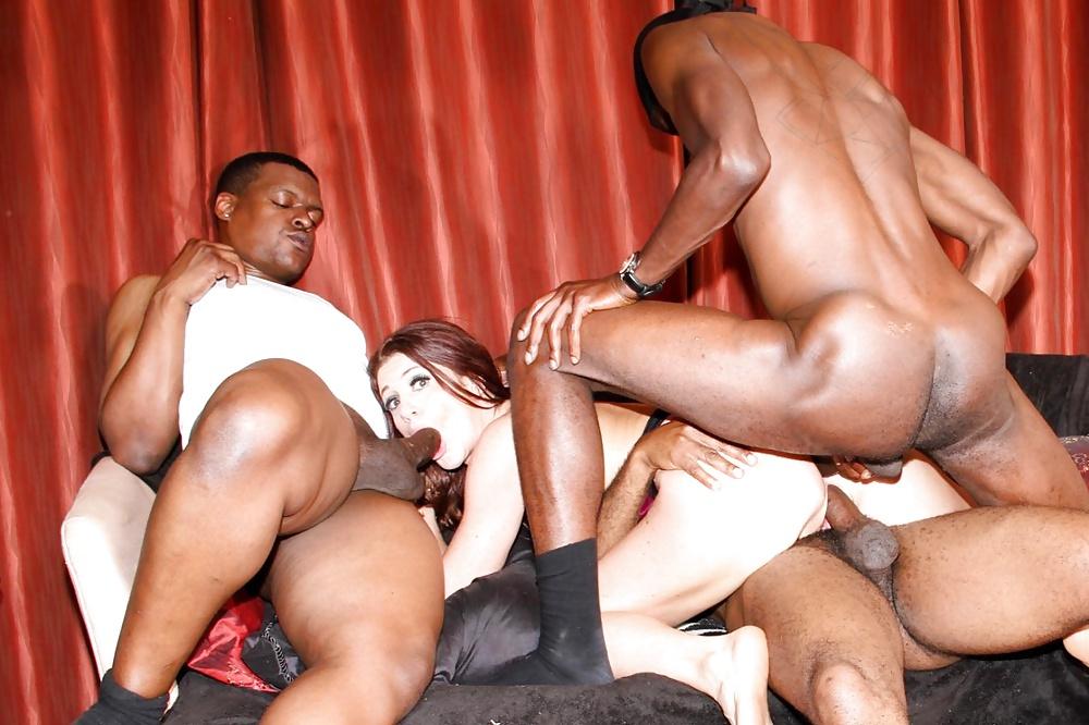 Секс с негром групповой красиво