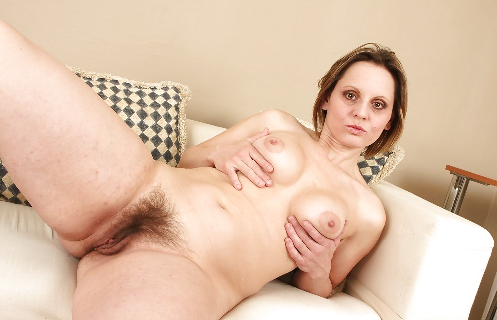 Hairy pussy housewife photos