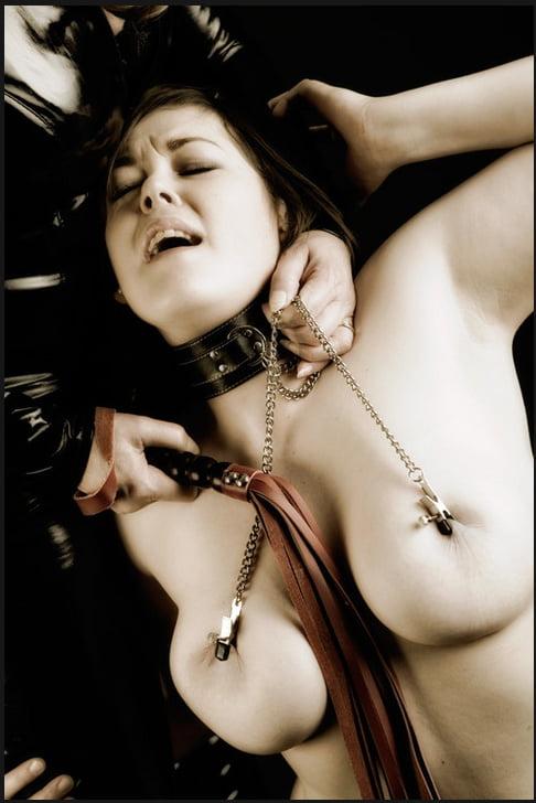 Amateur lesbians undress
