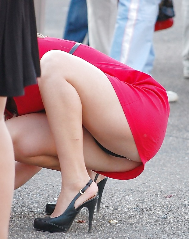 Voyeur short tiny skirt
