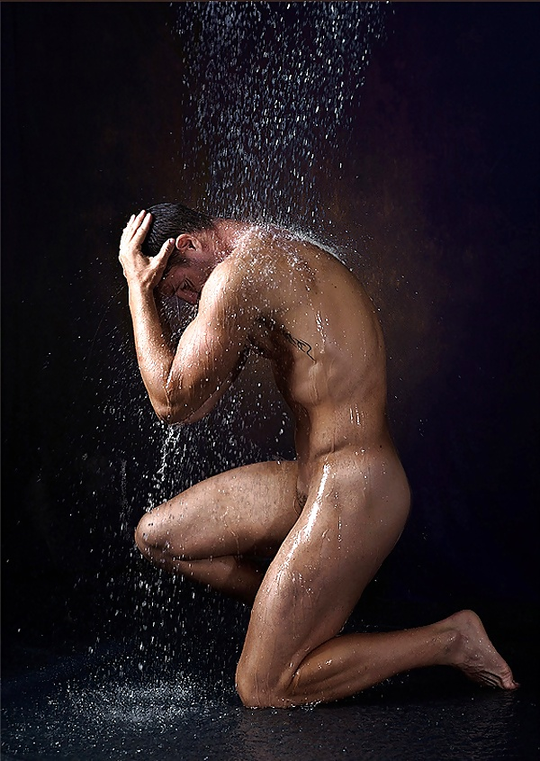 Photographing nude men