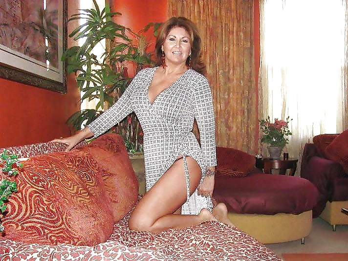 Over 40 mature nude crotchless panties