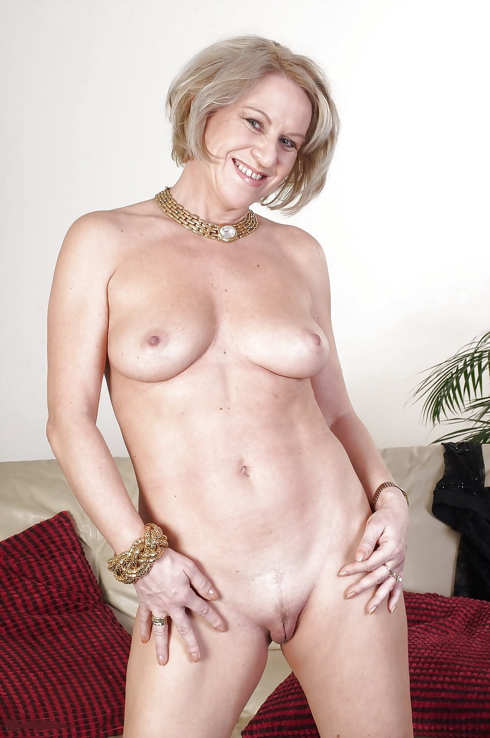 Naked mature gold