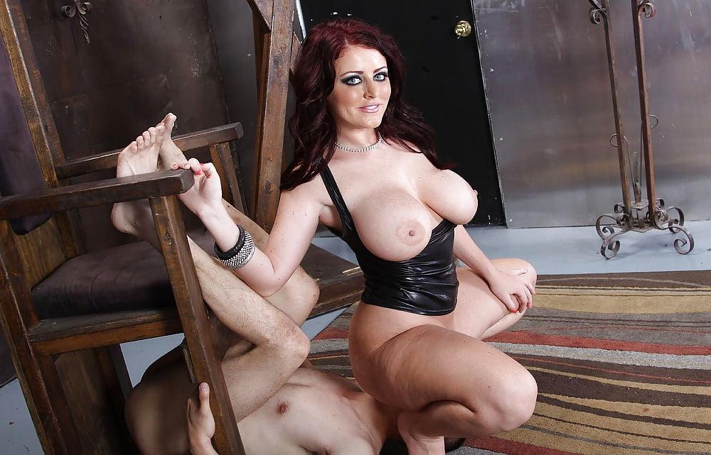 Sophie Dee 4