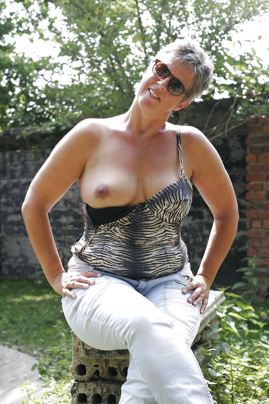 mature-ladies-great-tits-surrey