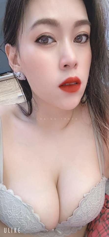 Thai prostitutes wearing bibs