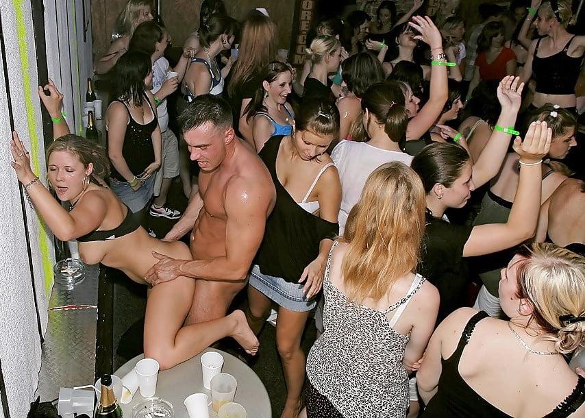 Male stripper orgies — pic 9