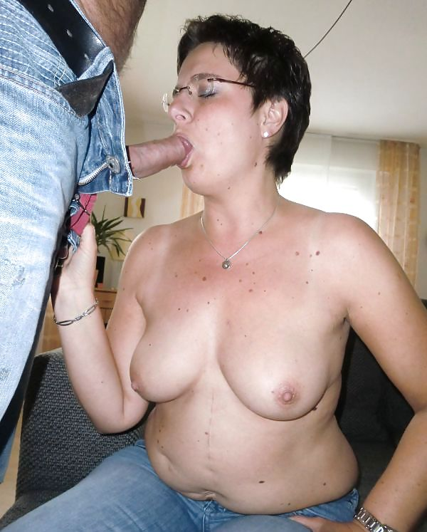 Mature Exhibitionist Amateur Wife Showing Off - 30 Pics -9397