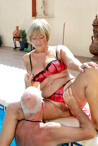 Pflegerin Granny Fetisch Rimmingsex
