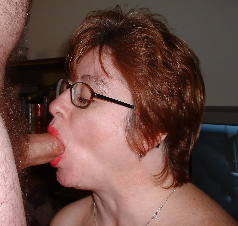 Amateur beastiality mature girl giving a dog a blowjob for her neighbor's pleasure