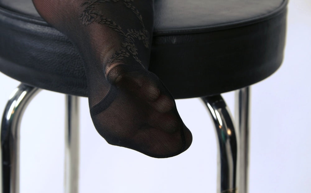All around Nylons and Tights 34 - 30 Pics