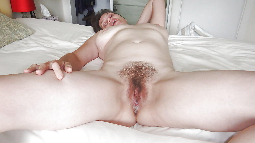 Wife gives pussy up — img 13