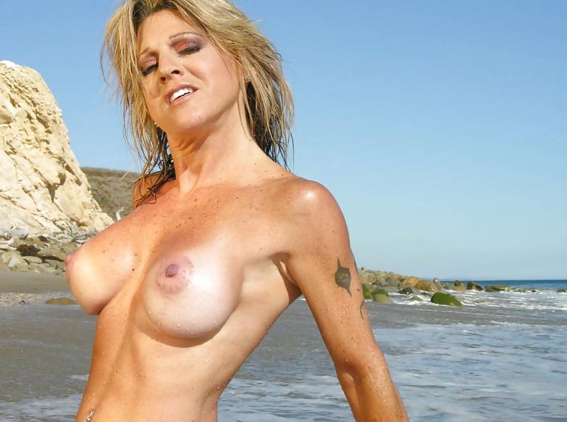 full figured milfs naked