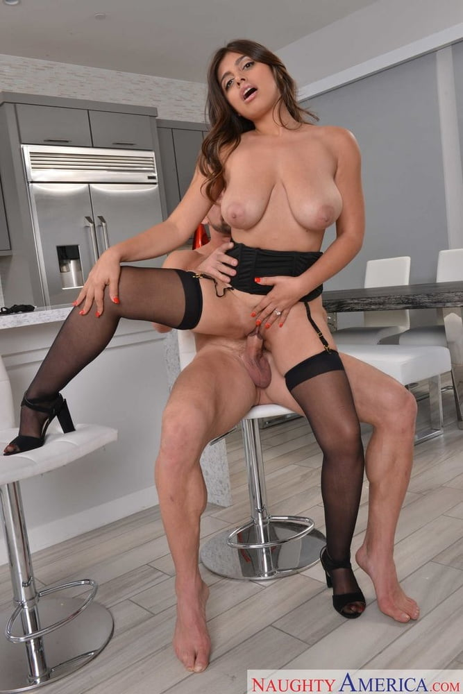 Ella Knox fucking in the chair with her lingerie - 95 Pics