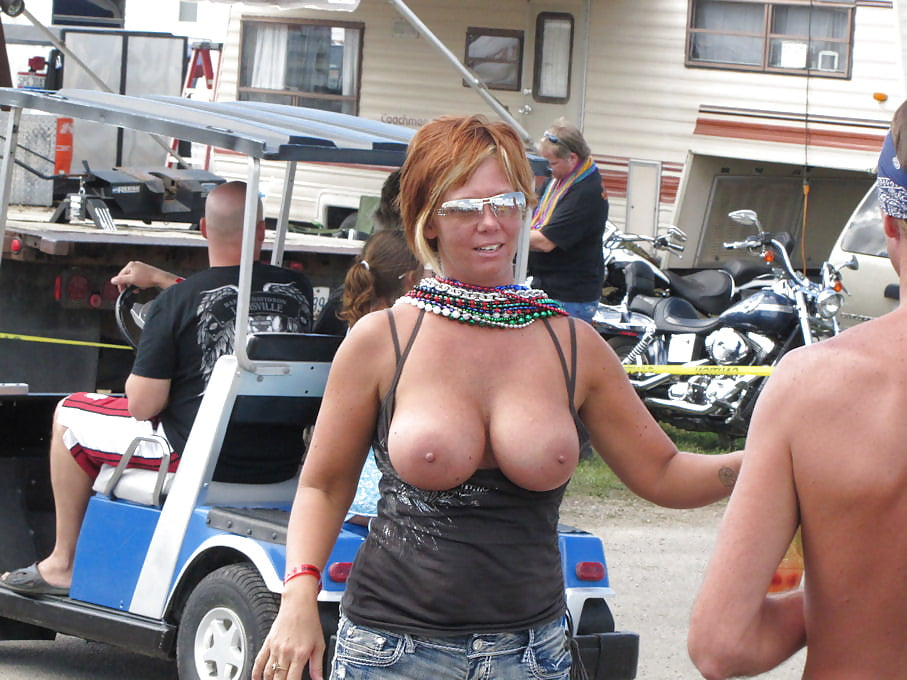 jolie-naked-amateur-chubby-biker-rally-bitches