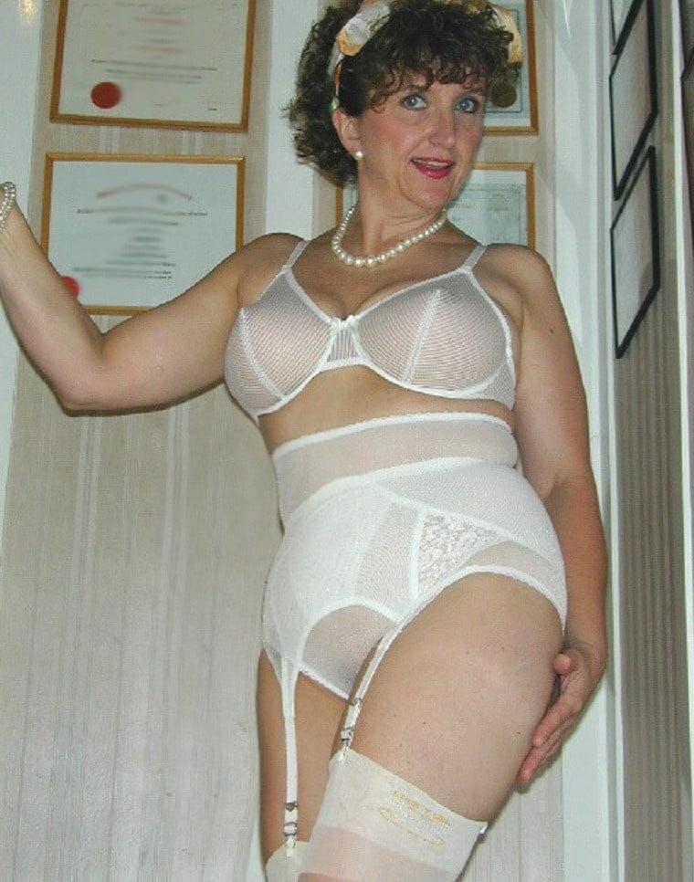 Photos of mature women in girdles