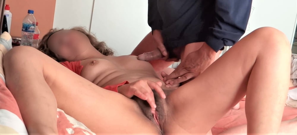 Cumshots On My Hairy Wife - 31 Pics