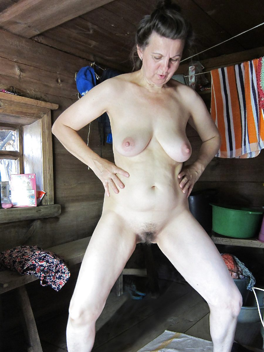 Русскими женщины в возрасте в деревенской бане интим фото подборка много кончают