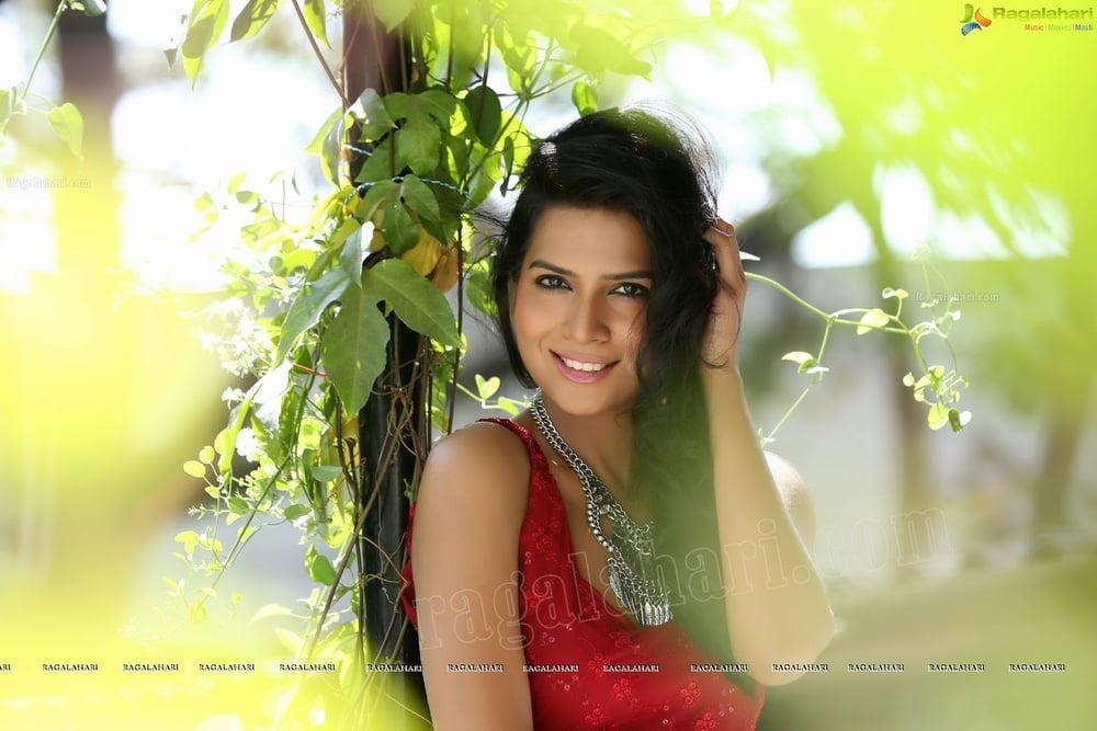 Telugu actress hot sexy pics-4701