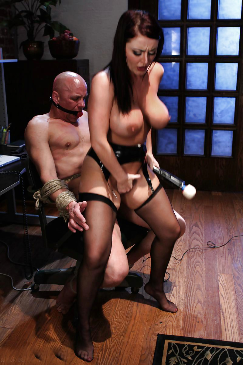Грудастая госпожа и рабыня — img 6