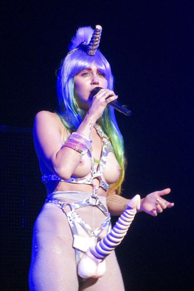 Stars Destiny Hope Cyrus Nude HD