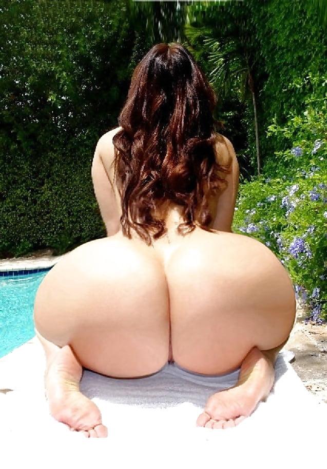 Big titis round ass — photo 4