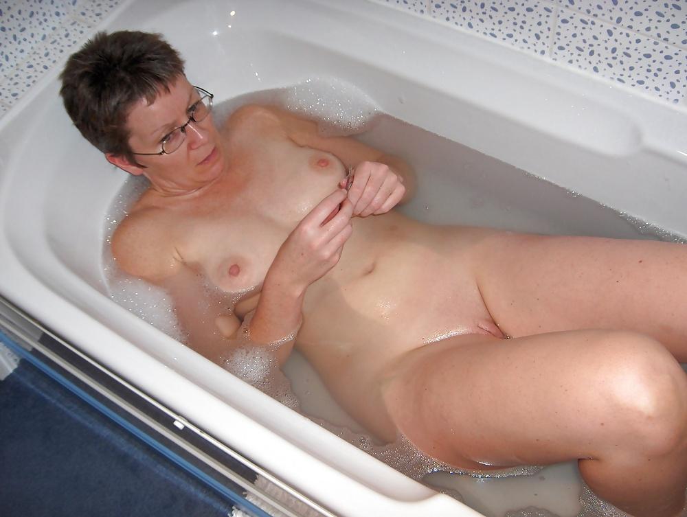 Nude Mature Bathroom