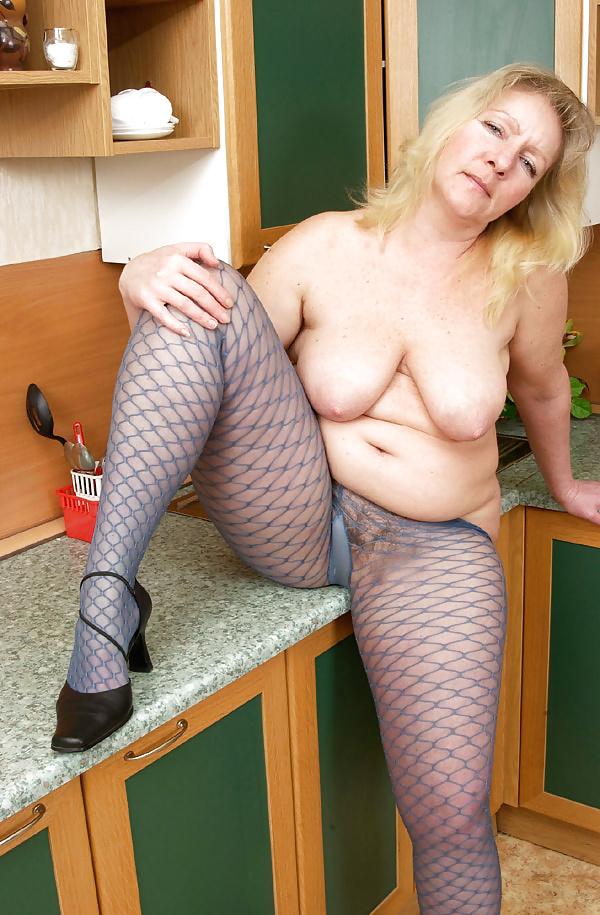 Mature tits mom-1729