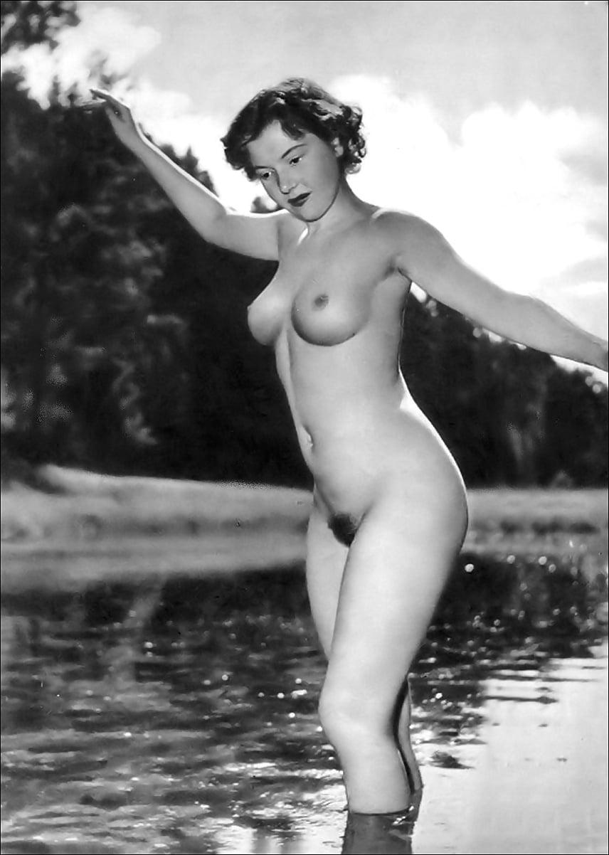 Vintage Nude Bodybuilders
