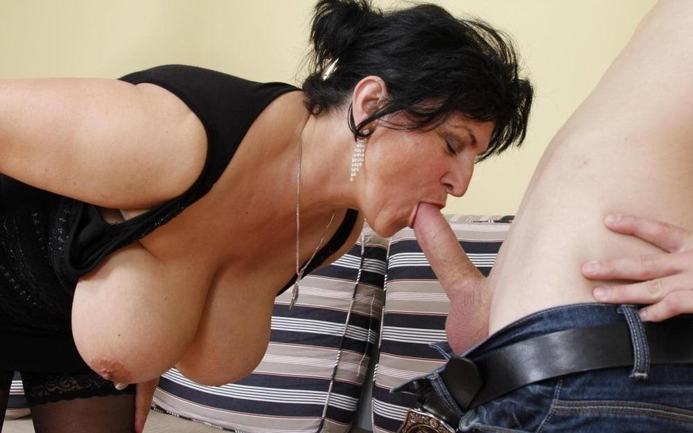 Watch Bbw Huge Tits Sucks Cock