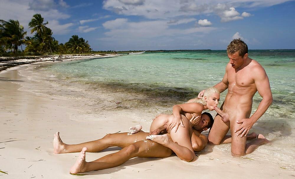 whore-gifs-sex-tea-beach