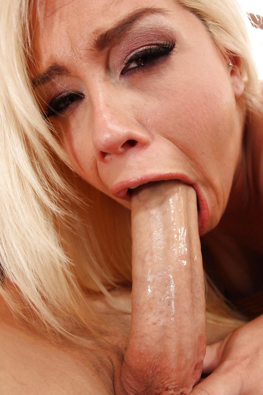 Free movies blonde deepthroats, seduce sexy redhead