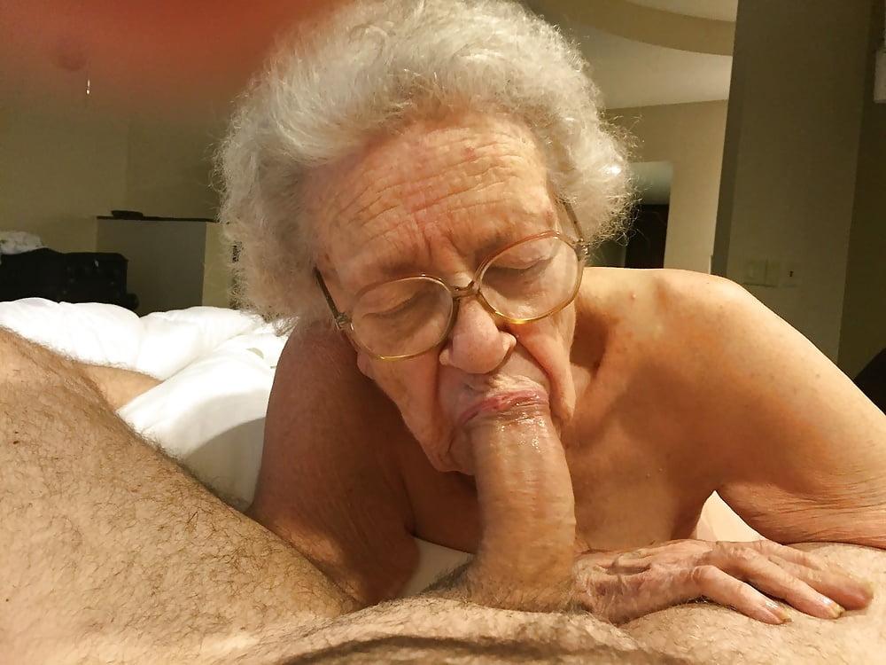 yong-naked-granny-blow-job-gif-pics-deep-throat-gag