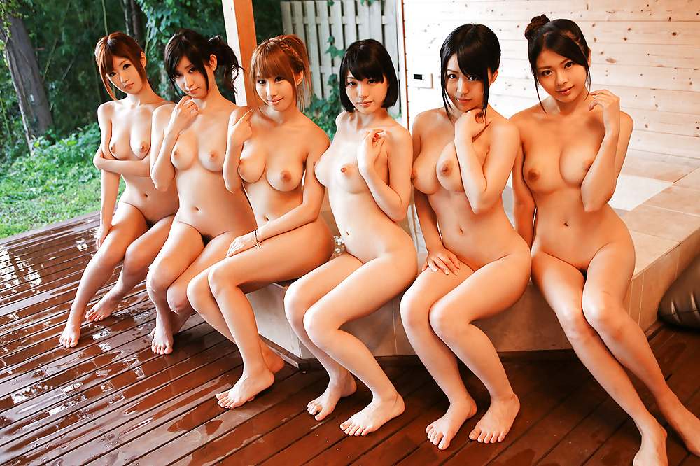 Real asian girls getting naked photos