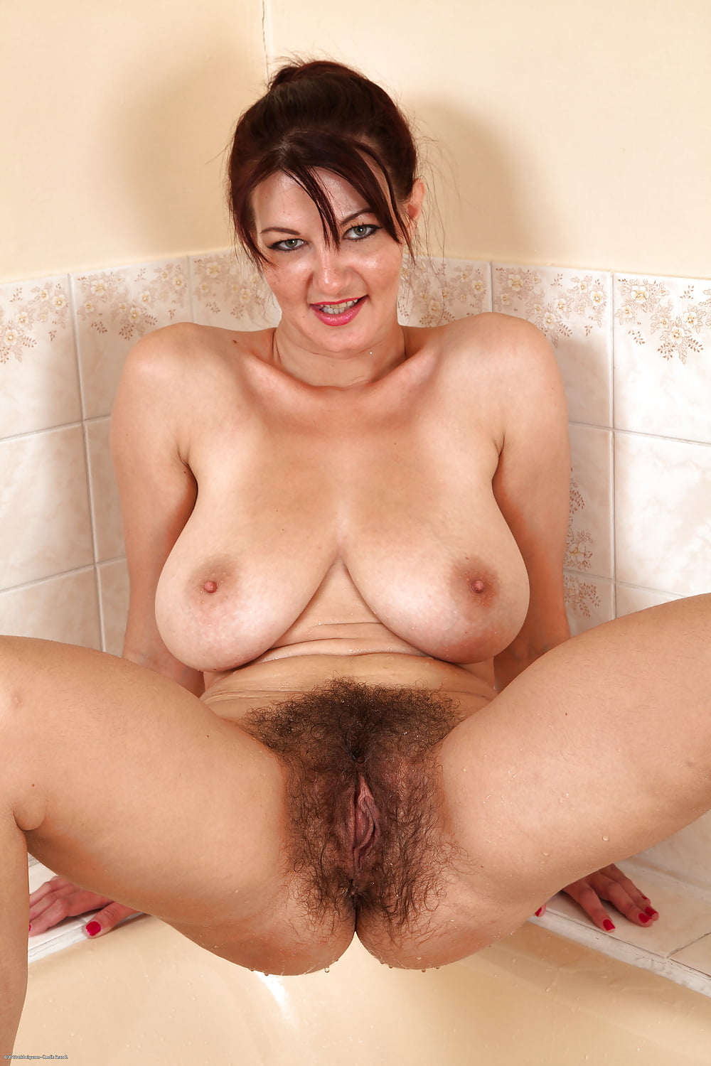 Moms hairy beautiful snatch — pic 6