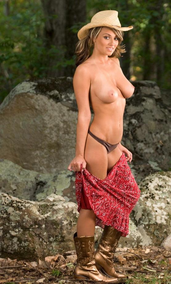 lia-nude-country-girl