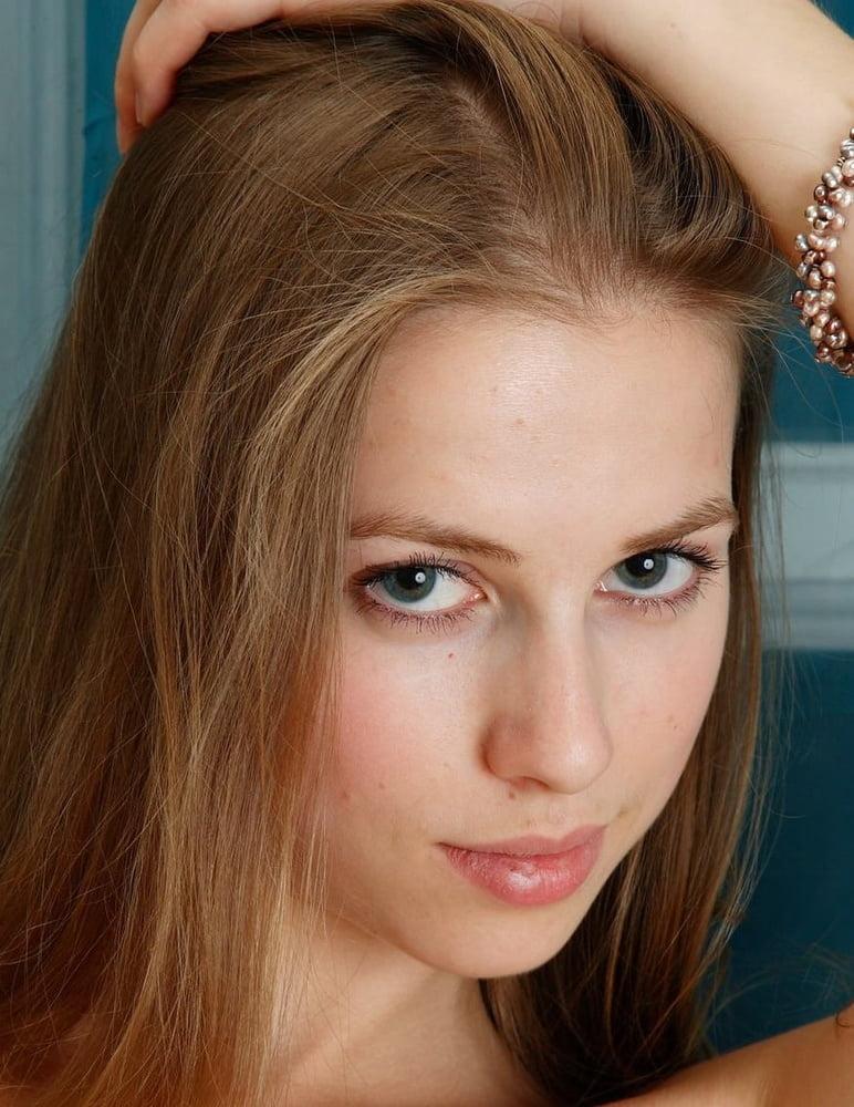 Facezination - very close cuties - 20 Pics