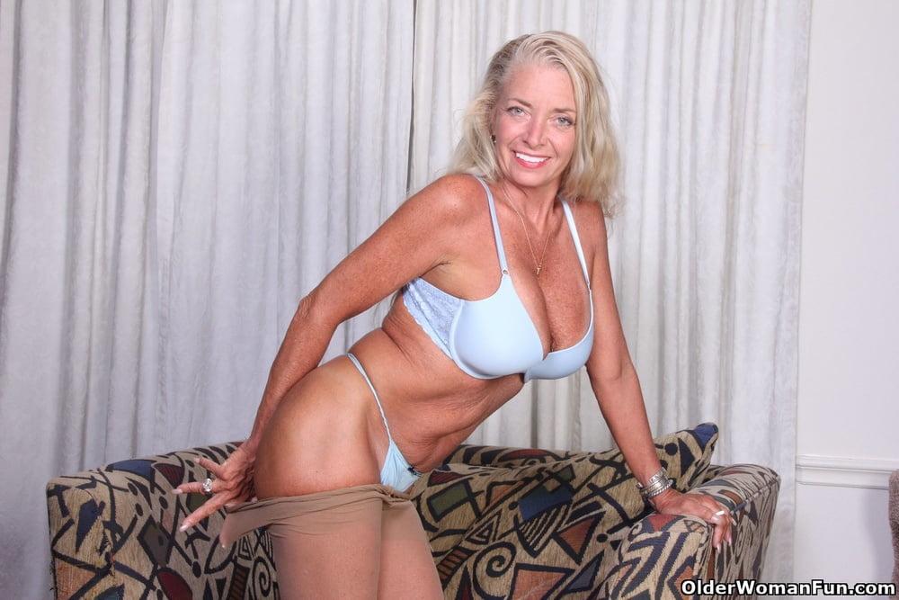 USA mature milfs from OlderWomanFun - 84 Pics