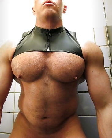 free xxx gay muscle clips