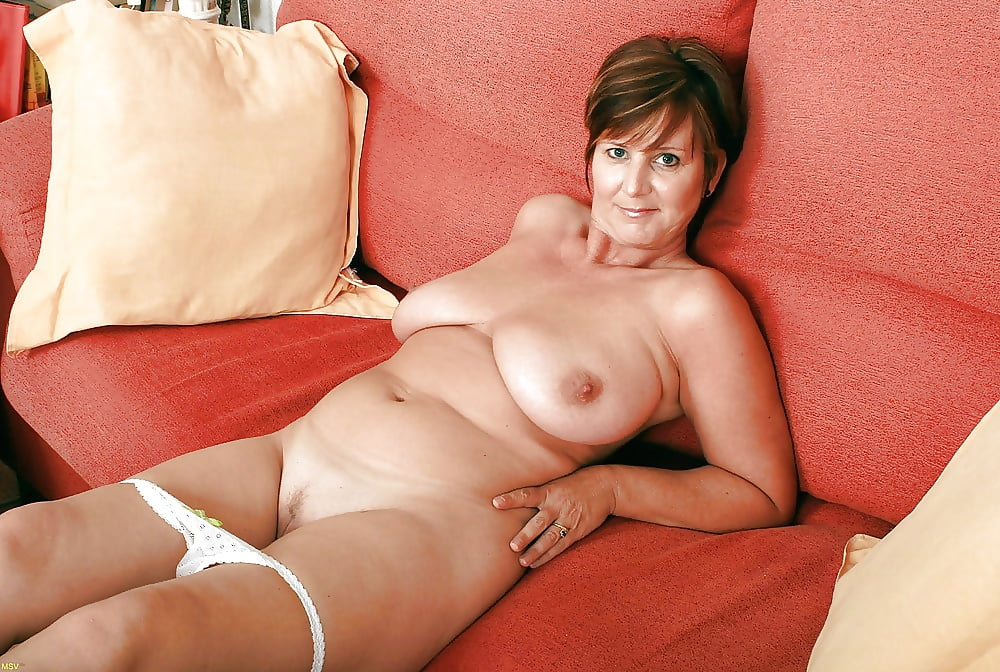 Mature pakistani women nude
