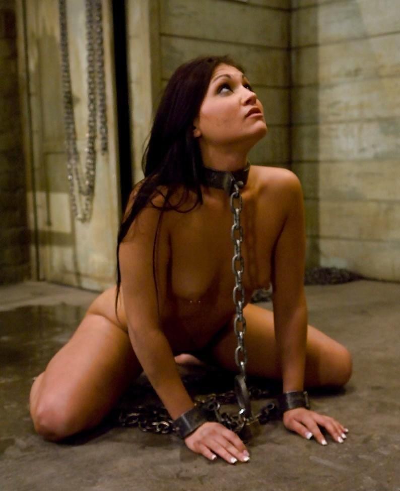 эротика девушка закованная в цепи фото