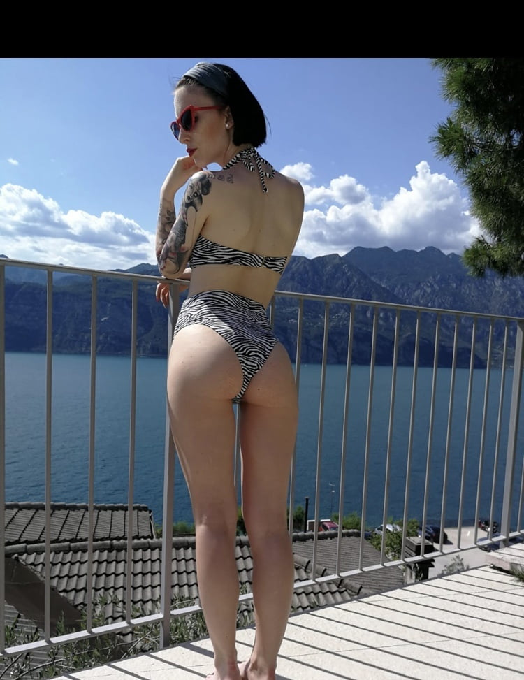 Hot Pics Lou Nesbit.Lia Louise 3 - 28 Pics